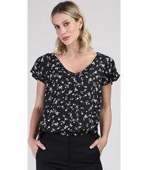 blusa feminina ampla estampada floral com babado na manga decote v preta