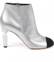 chanel silver leather black cap toe cc heeled ankle boots black/silver sz: 6.5