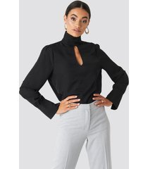 na-kd classic cut out front blouse - black