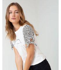 camiseta animal print