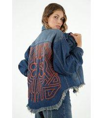 chaqueta de mujer, silueta oversized con bordado en cordón