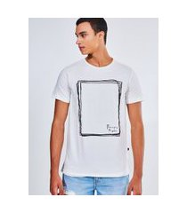 camiseta estampada quadrado rabisco =