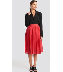 na-kd midi pleated skirt - red