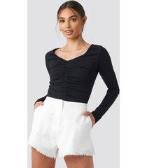 iva nikolina x na-kd linen look shorts - white