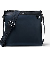 mk borsa a tracolla brooklyn grande in nylon - navy (blu) - michael kors