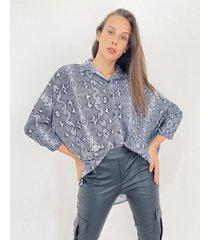 camisa gris odas oversize animal crep
