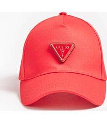 czapka z daszkiem i trójkątnym logo
