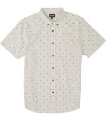 men's billabong men's all day microdot short sleeve button-down shirt, size xx-large - beige