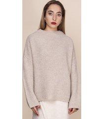 sweter oversize o grubym splocie