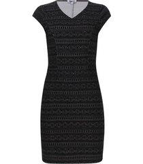 vestido jacquard color negro, talla 14