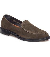 border rivet loafer suede loafers låga skor brun royal republiq