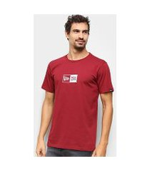 camiseta new era essentials box masculina
