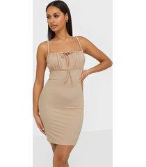 nly trend tie drawstring dress fodralklänningar beige
