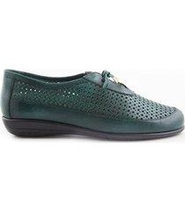 zapatos de amarrar perforados verde