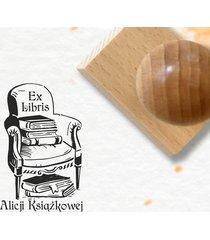 fotel z książkami stempel ex libris
