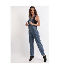 macacão jeans feminino baggy com recortes azul escuro