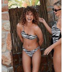 hunkemöller amalfi bikiniunderdel med höga ben. vivian hoorn svart