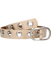 cinturón cuero distintas texturas beige
