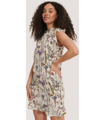 na-kd boho ruffle floral mini dress - multicolor