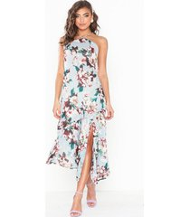 nly eve halterneck flowy dress loose fit
