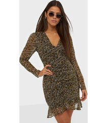 neo noir funda mini daisy dress långärmade klänningar