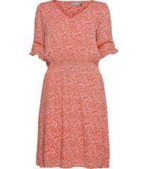 fralcrinkle 5 dress knälång klänning rosa fransa