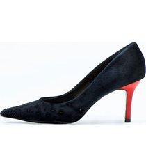 zapato de cuero negro cruz de la rosa