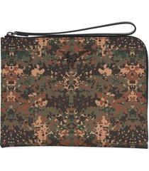 giuseppe zanotti fabian camouflage-print clutch - brown