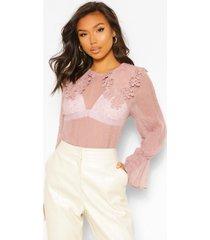 crinkle dobby mesh blouse applique collar, blush