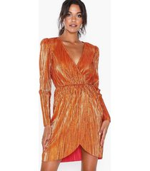 nly eve shiny pleated dress loose fit