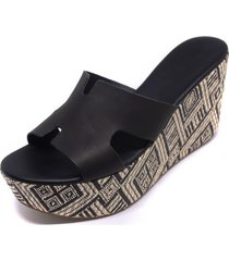sandalia cuero base tejido negro mailea