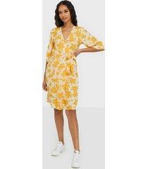 object collectors item objbea 2/4 dress 102 långärmade klänningar