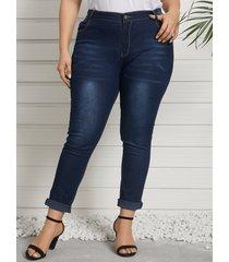 pantalones de mezclilla con diseño de botones y diseño de bolsillo de talla grande
