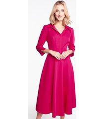 rozkloszowana sukienka w kolorze fuksji