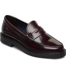 kennedi moccasin loafers låga skor röd gant