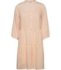 cathrine dress knälång klänning rosa modström