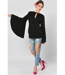 petunia czarna - bluzka z szerokimi rękawami