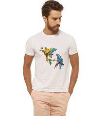 camiseta joss - arara colorida - masculina