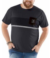 camiseta estampa listras e bolso plus no stress cinza - kanui