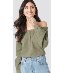 na-kd boho off shoulder structured blouse - green