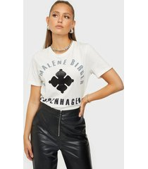 by malene birger desmos t-shirts