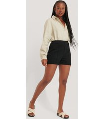 na-kd classic shorts med hög midja - black
