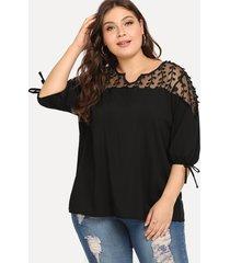 plus tamaño camiseta negra semi transparente con cuello en v