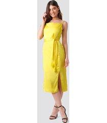 trendyol shoulder strap midi dress - yellow