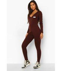 woman getailleerde jumpsuit met label, chocolate