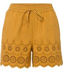 shorts con ricamo traforato (giallo) - bodyflirt