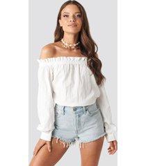na-kd boho off shoulder structured blouse - white