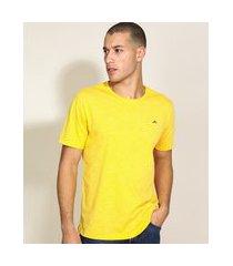 camiseta masculina básica com bordado manga curta gola careca amarela