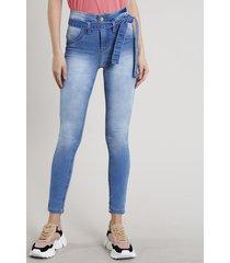 calça jeans feminina sawary skinny com faixa para amarrar azul claro