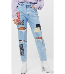 mom fit jeans met patches